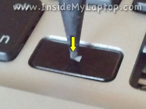 Repair-MacBook-Pro-keyboard-key-08